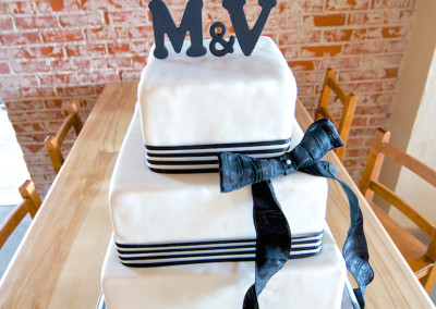 Simple with Big Ribbons and Bow Wedding cake