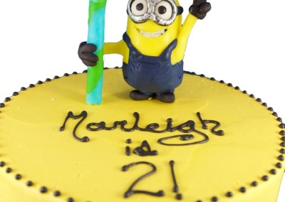 Small Minion on Buttercream