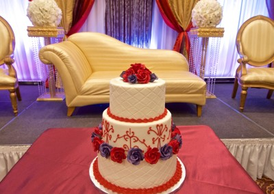 Red and Purple Roses Wedding Cake