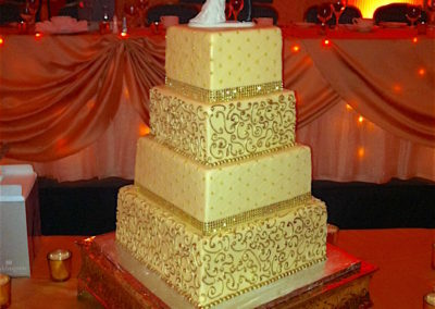 Piping and Quilting Square Wedding cake