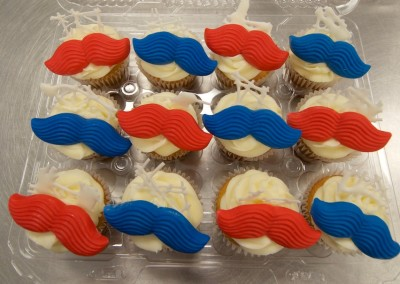Colourful Moustaches cupcakes