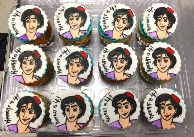 Aladdin Toppers Cupcakes