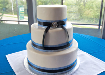 Double Ribbon with Broach Wedding Cake