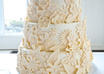 2D Floral Cover Wedding Cake