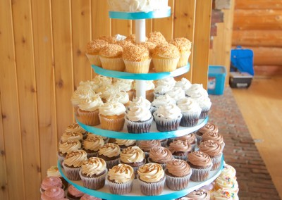 Rustic Buttercream with Ribbons Wedding cupcakes