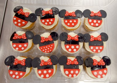Minnie Mouse Shapes Cupcakes